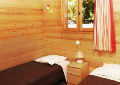 Chambre 2 lits simple chalet savoyard 42 m²