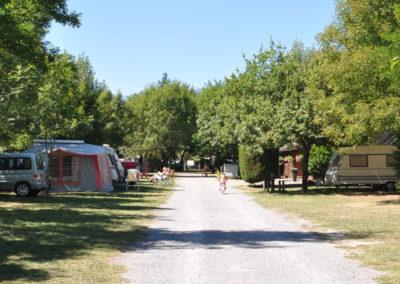 Emplacement caravane tente camping-car