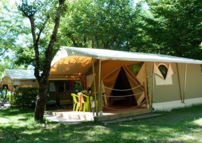 Vue extérieure de la tente canada